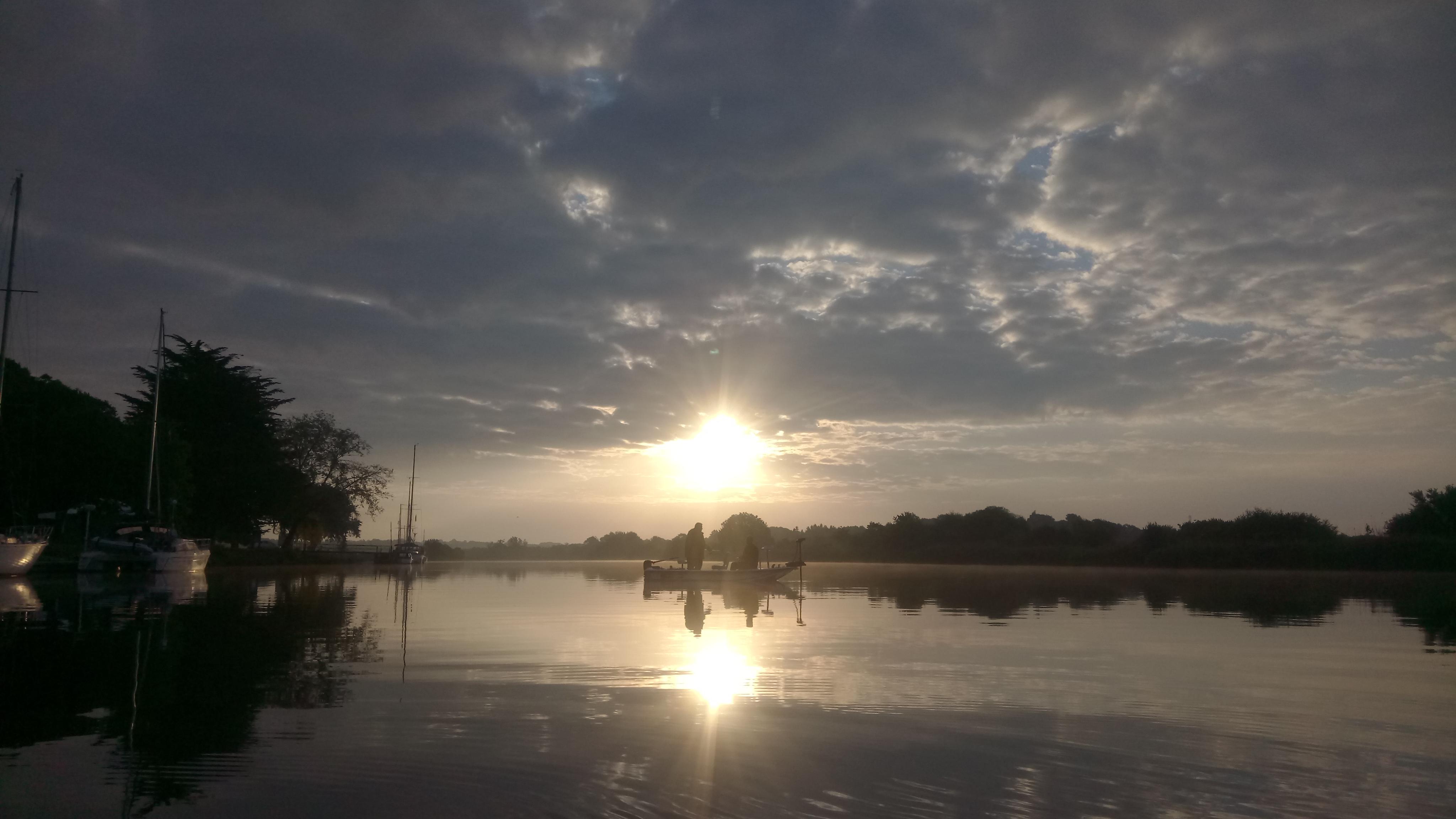 Ambiance de pêche à l'aube sur la Vilaine